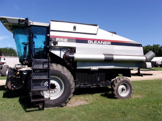 1998 Gleaner R52 in Waverly,