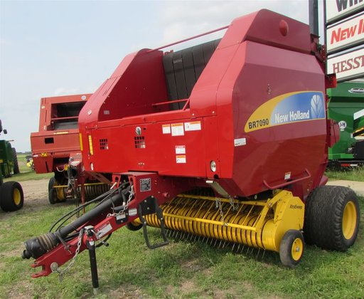 2008 New Holland BR7090 in