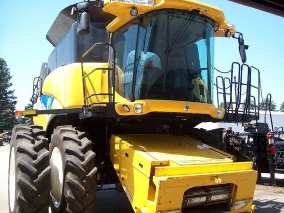 2010 New Holland CR9060 in