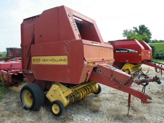 New Holland 650 in Troy,
