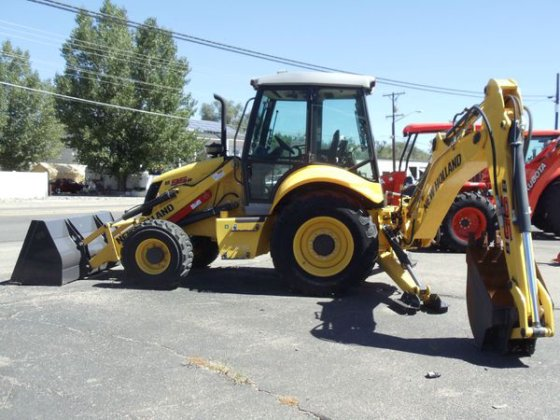 2012 New Holland B95 in