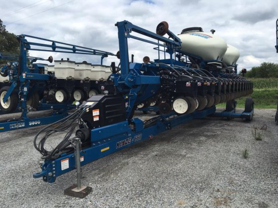 2010 Kinze 3660ASD in Clatonia,