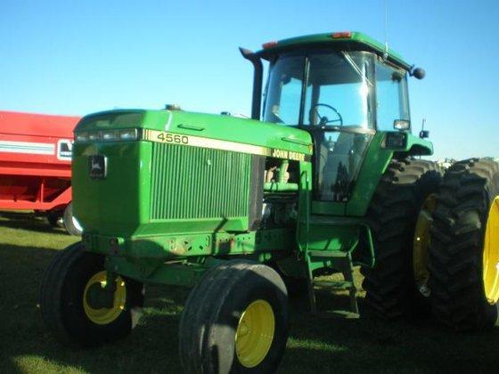 1992 John Deere 4560 in