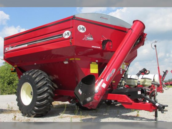 2017 J&M 812-18S in Delphos,
