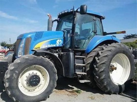 2009 New Holland T8050 in