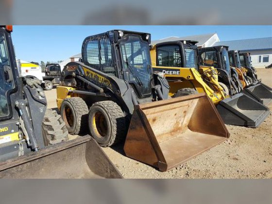 2011 New Holland L220 in