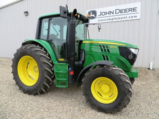 2014 John Deere 6115M in