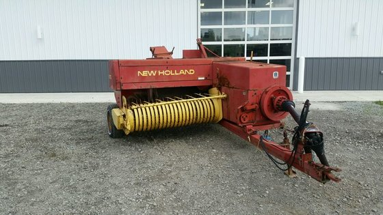 1995 New Holland 570 in