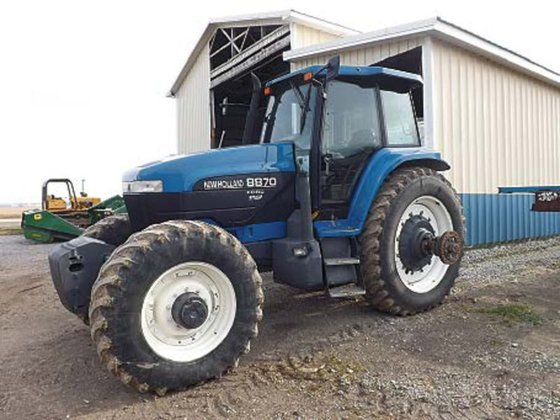 New Holland 8870 in Upper