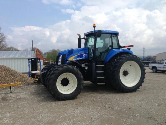 New Holland T8050 in Harlan,