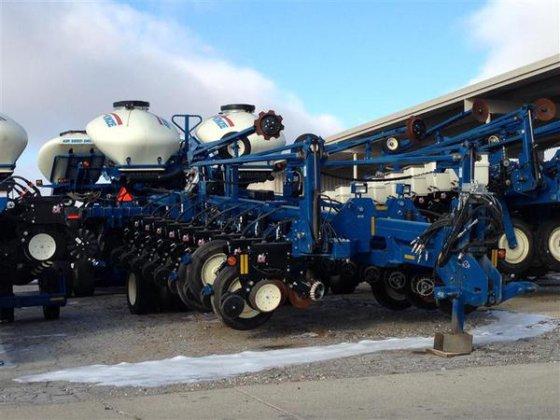 Kinze 3800 in Harlan, IA
