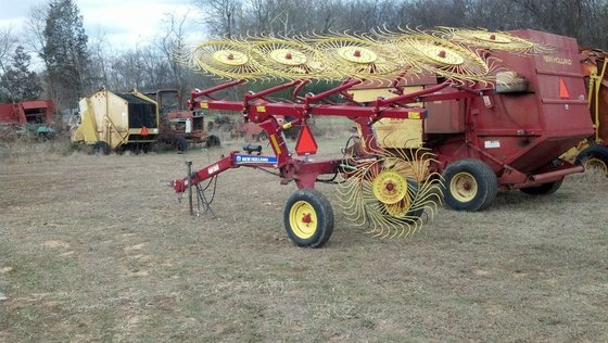 New Holland 819 8-Wheel in