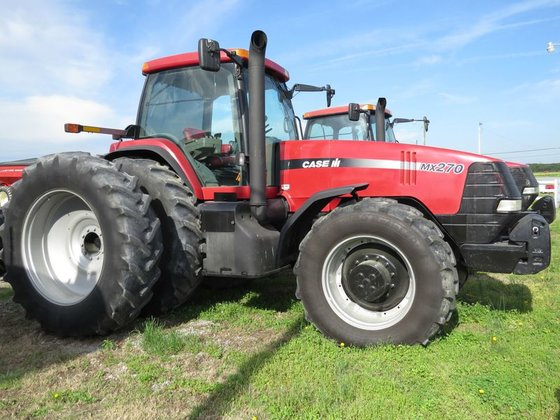 2001 Case IH MX270 in