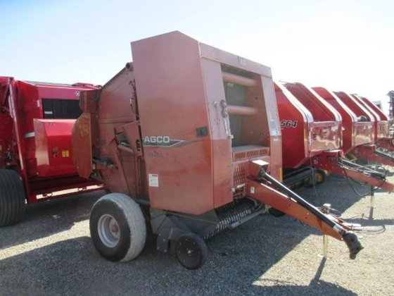 2009 AGCO 5546A in Wamego,