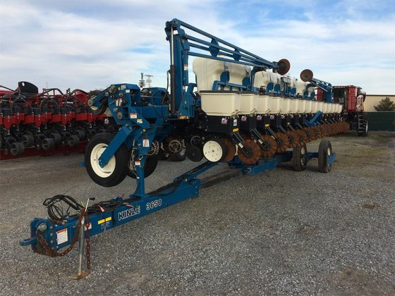 2007 Kinze 3650 in Murray,
