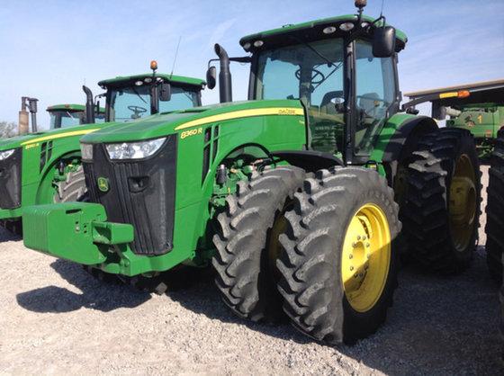 2011 John Deere 8360R in
