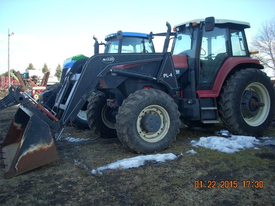 2004 Buhler 2160 in Lansing,