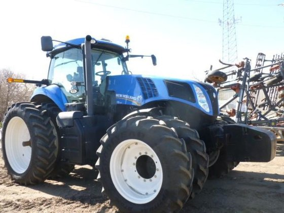 2011 New Holland T8.330 in