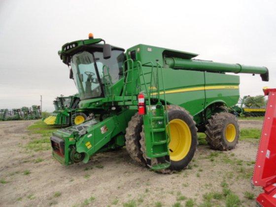 2012 John Deere S690 in