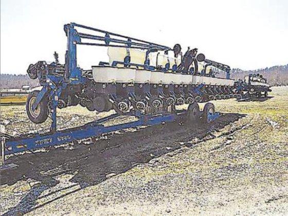 1998 Kinze 2600 in Calhoun,