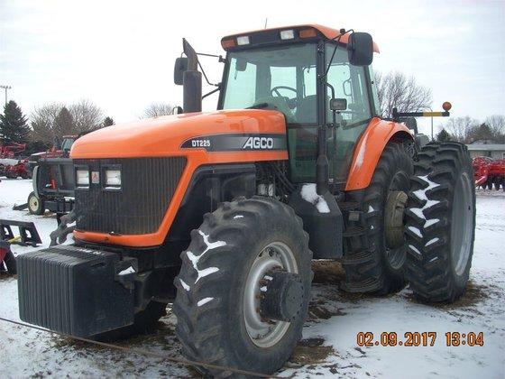 2001 AGCO DT225 in Lansing,