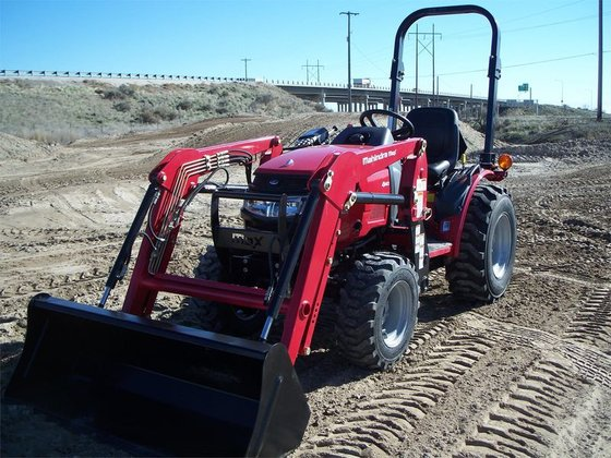 2014 Mahindra MAX 26XL in