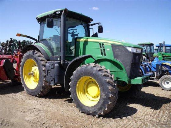 2013 John Deere 7200R in