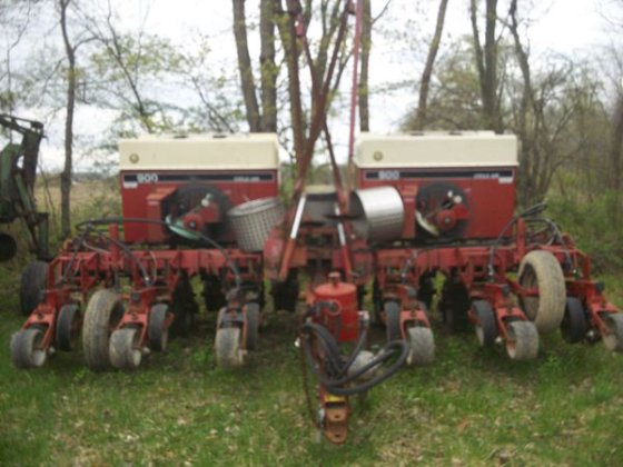 Case IH 900 in Albion,