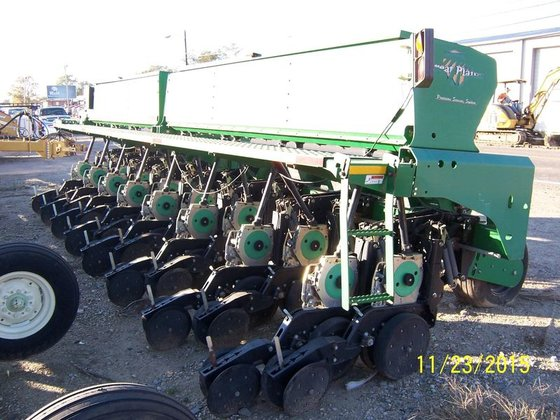 2009 Great Plains 2525P in