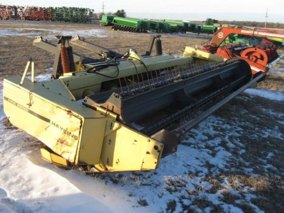 2001 New Holland 2300 in