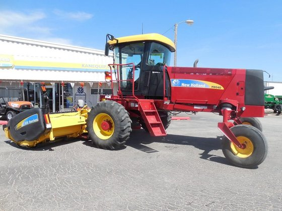 2013 New Holland H8040 in