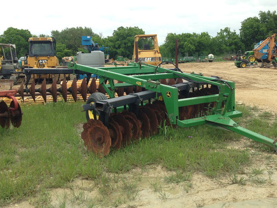 John Deere 425 in Stephenville,