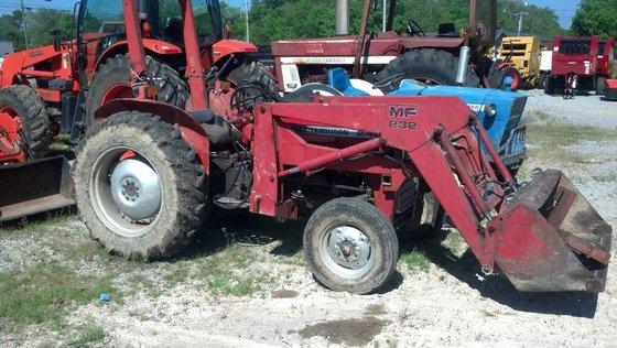 Massey-Ferguson 240 in Hillsboro, TN