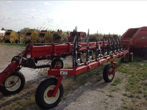2016 H&S BF1660 in Maddock,