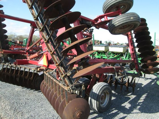 Case IH 496 in Archbold,
