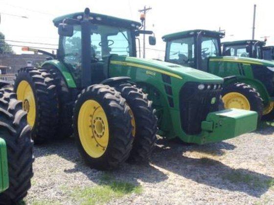 2009 John Deere 8320R in