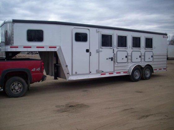 2015 Kiefer 4 HORSE in