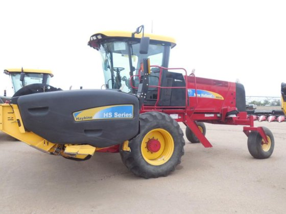 2011 New Holland H8040 in
