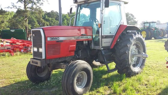 1990 Massey-Ferguson 3660 in Williamston,