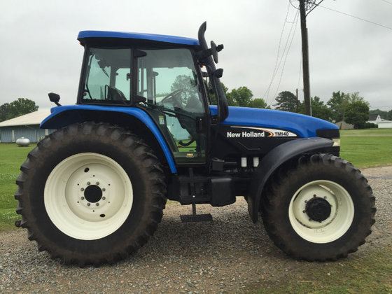2006 New Holland TM140 in
