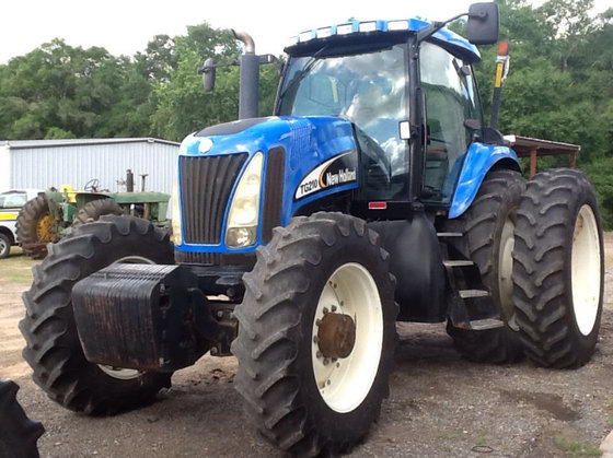 2003 New Holland TG210 in