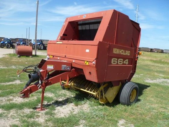 1998 New Holland 664 in