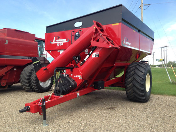 2015 Parker 1048 in Carrington,