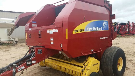 2013 New Holland BR7090 in