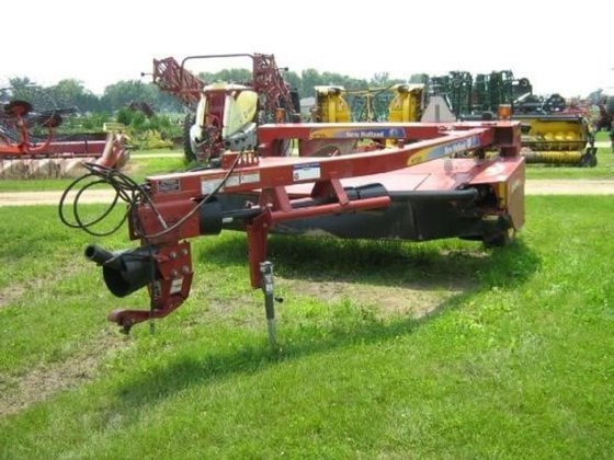 2013 New Holland H7230 in