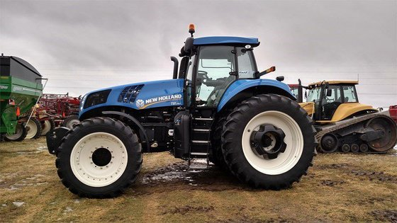 2014 New Holland T8.390 in
