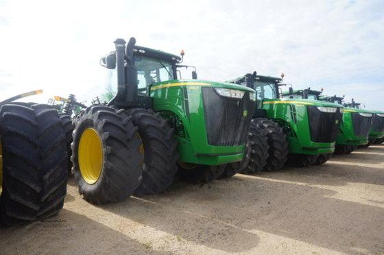 2013 John Deere 9460R in