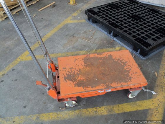 MATERIALS HANDLING Flat bed Trolley