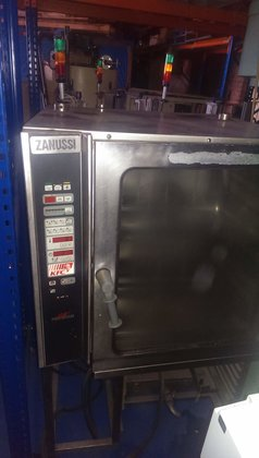 ZANUSSI - Electric/Steam Oven in