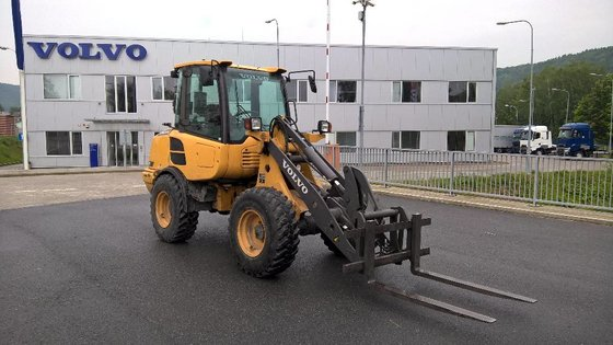 2011 Volvo L25F Wheel loader